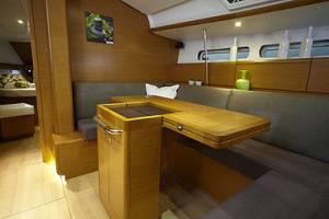 yacht rental in malta chartering Jeanneau 439