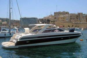 cheap motor boat for charter ilver 49