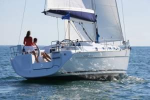 hiring sailing in malta Beneteau 43