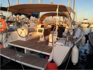chartering bareboat malta hire sailing dufour 410