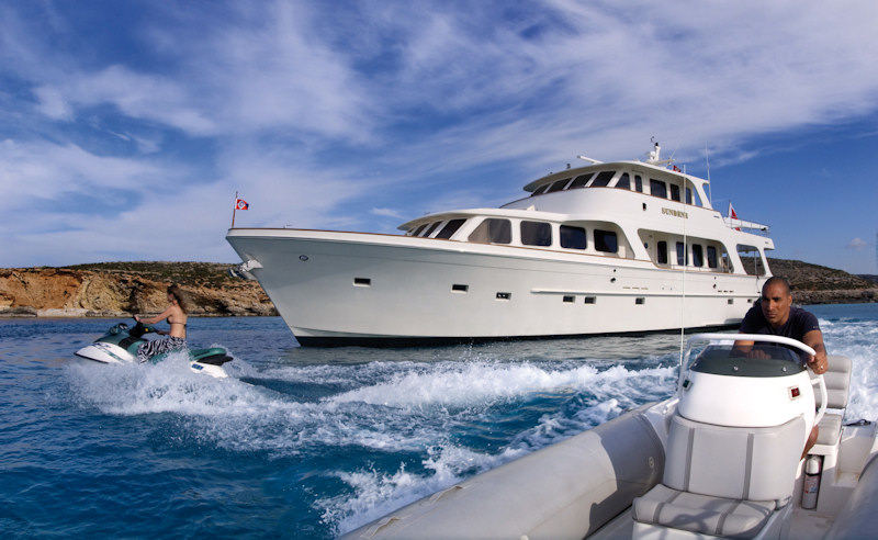 Custom 24 meter yacht