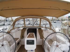 sailing yacht chartering malta dufour 410