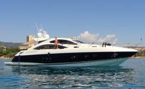 Sunseeker charter with Malta boat charter Predator 62