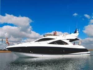 Charter Sunseeker malta boat chartering manhattan 50