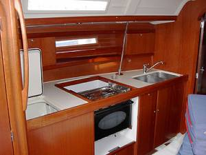 sailing chartering bareboat Dufour 365