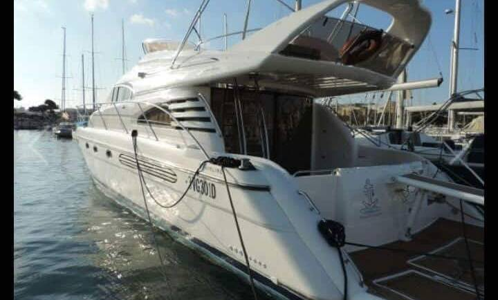 Fairline Squadron 55 Flybridge motor boat