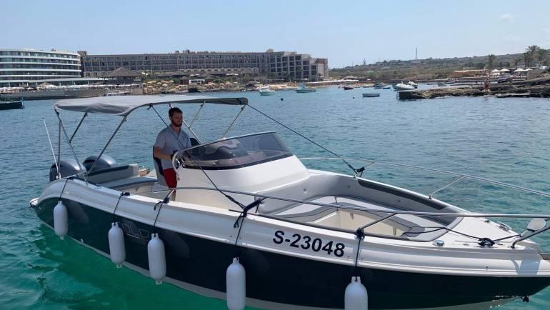 Eolo 30 feet open boat